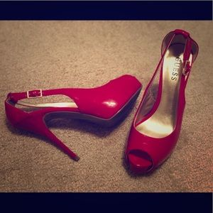 Head Over Heels: Guess // Dark Red